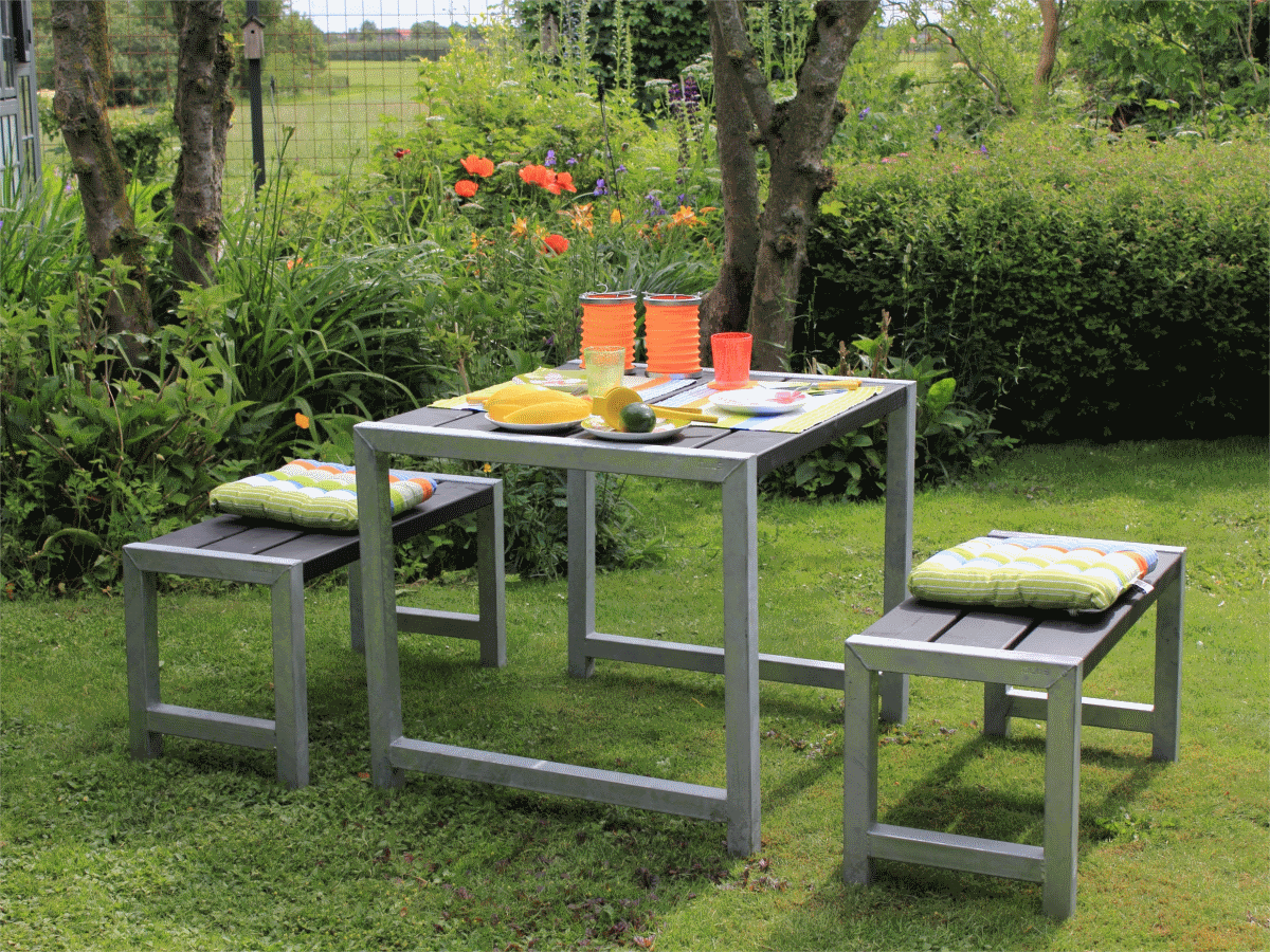 Table d 39 appoint pour l 39 ext rieur en m tal galvanis 49 x for Table exterieur avec banc integre