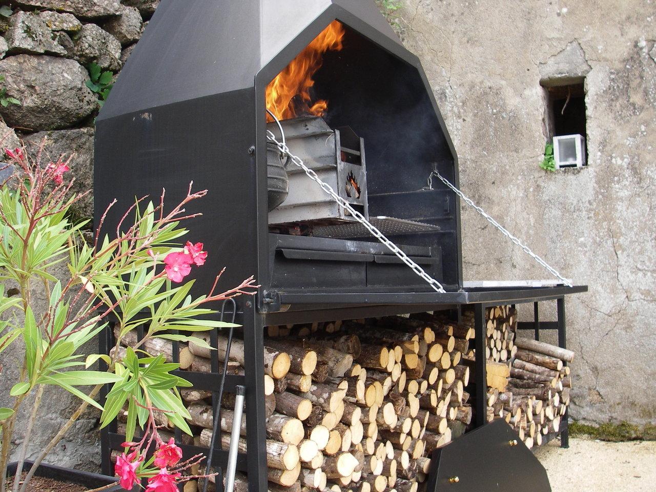 Braai barbecue à bois sudafricain BI1200  prêt à poser