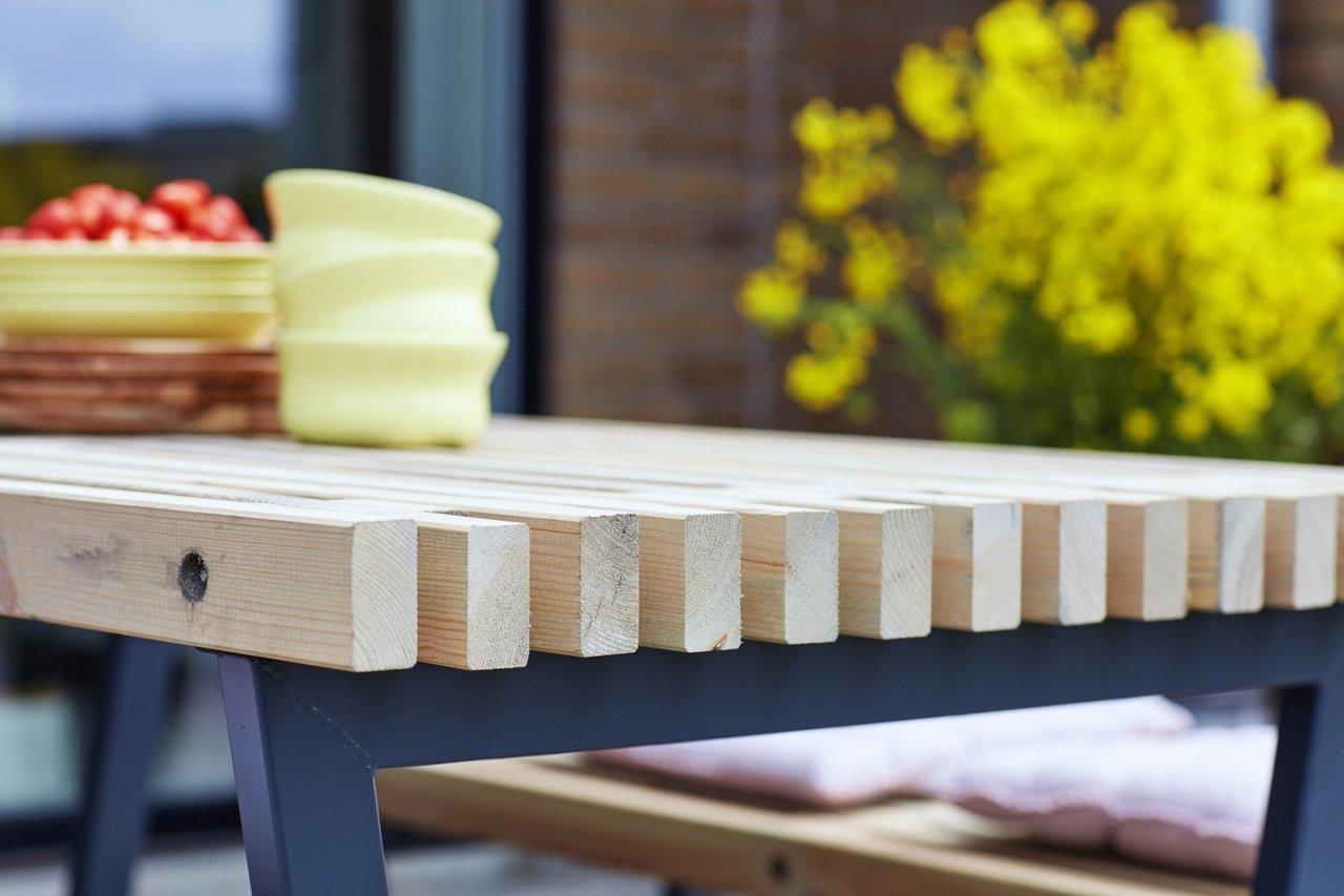 SIESTA - table de jardin à lattes bois pin du nord 138x76.5x72cm