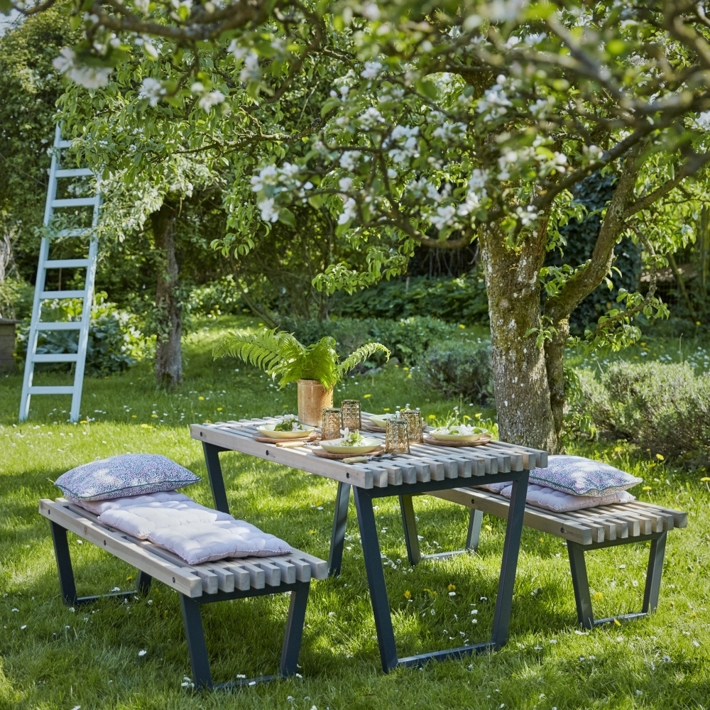 siesta ensemble table et 2 bancs de jardin lasur bois. Black Bedroom Furniture Sets. Home Design Ideas