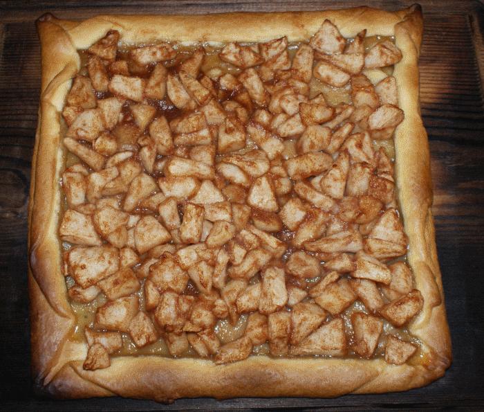 Tarte sablé aux poires et cannelle à la planche de cèdre