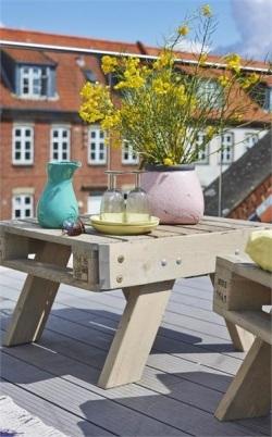 Salon de jardin en palette canap grande table basse - Canape de jardin en palette ...