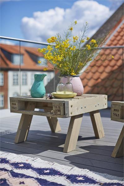 Ensemble de jardin en palette (fauteuil + petite table basse)