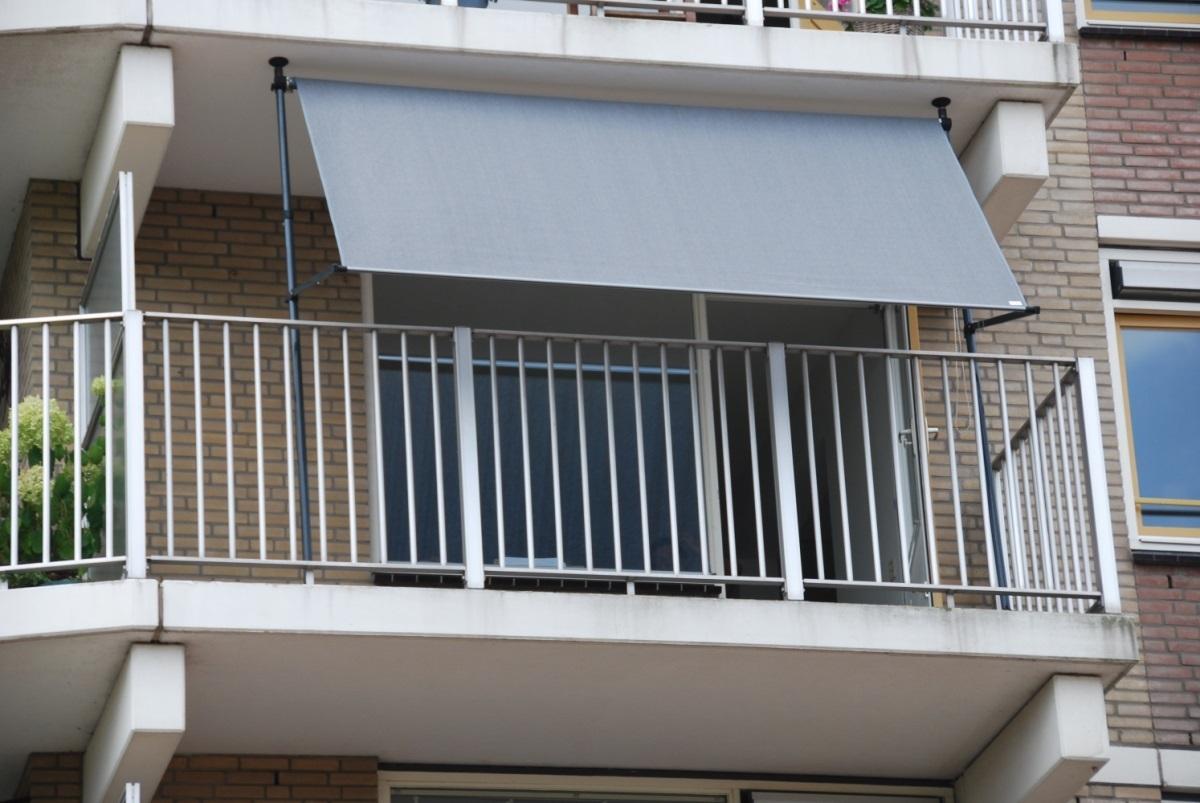 store balcon sans vis structure autoportante pour store. Black Bedroom Furniture Sets. Home Design Ideas