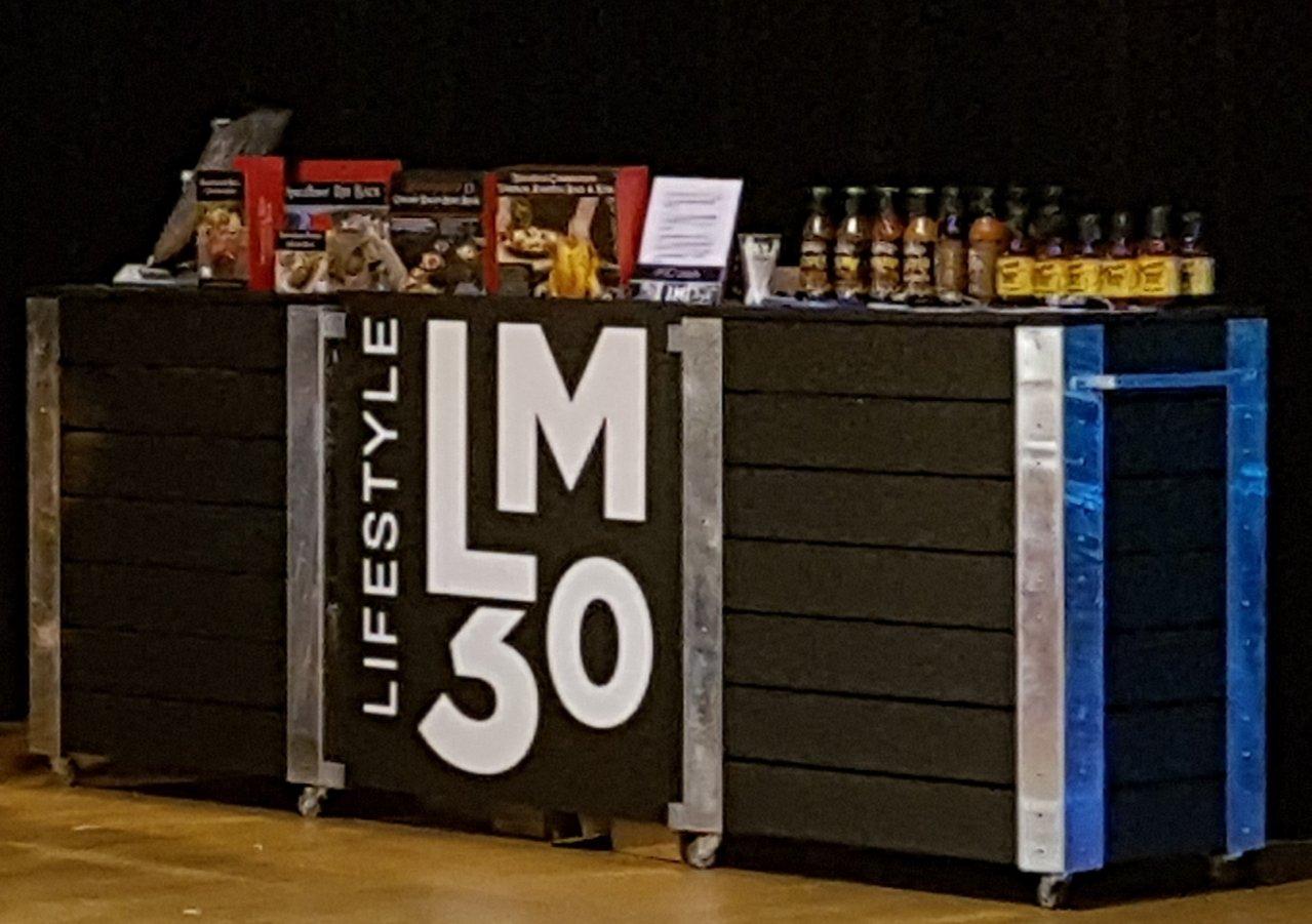 Bar exterieur sur roulette slot car set for sale