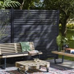 Panneau brise vue en bois et claustra pour le jardin ou terrasse